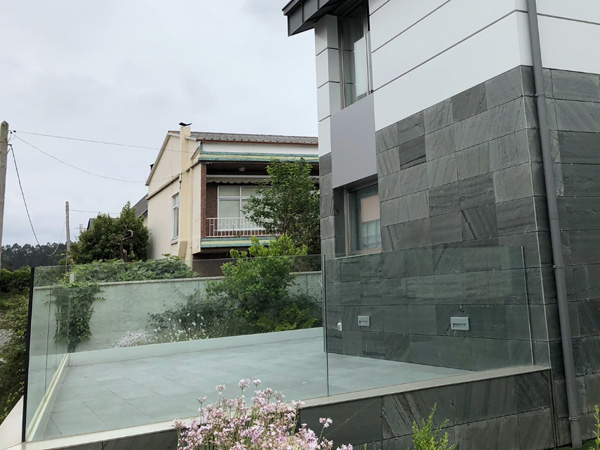 Barandillas y balcones 7, Vivienda