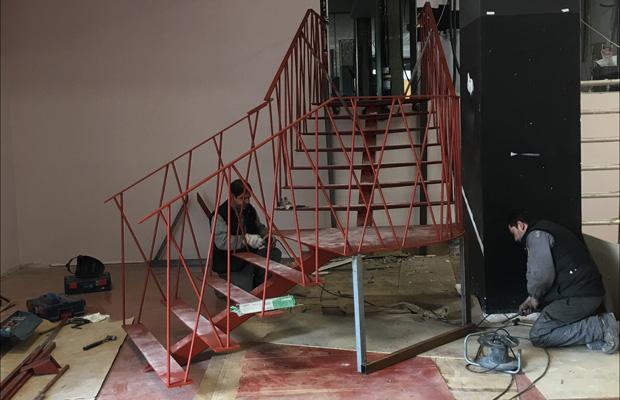 Escalera hierro inox obras